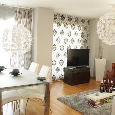 Comedor parquet + cortinas + alfombra