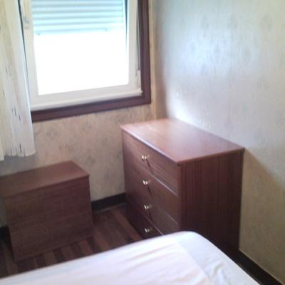 comoda y mesita dormitorio