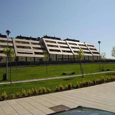 Conjunto de viviendas en Macondo, Cáceres
