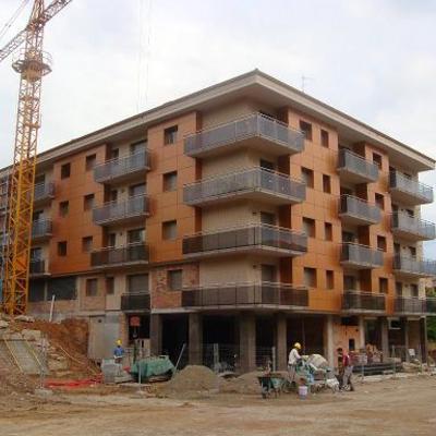 Construcció de 2 edificis a la Plaça Cim d'Estela de Berga