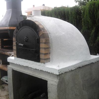 Colocación del horno en la base de hormigón
