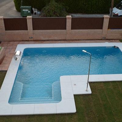 Piscina kaelia albaida del aljarafe for Construccion de piscinas en sevilla