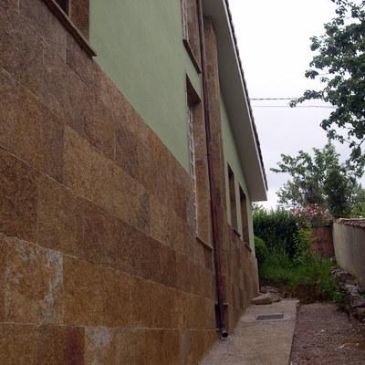 Construccion de una casa en >Carbainos (Gijon-Asturias)
