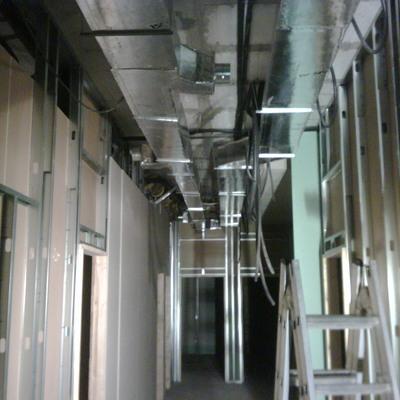 construcción he instalación de conductos aire acondicionado