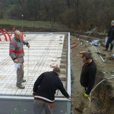 piso de concreto con calefacción por suelo radiante