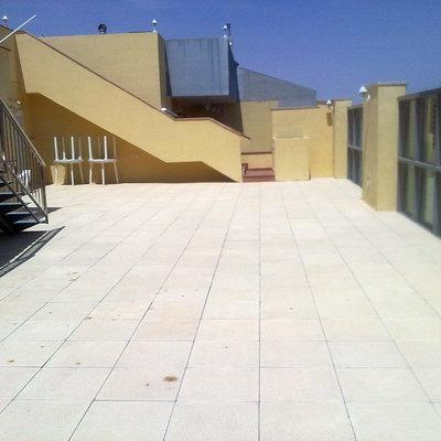 Contruccion de terraza y piscina en ático.