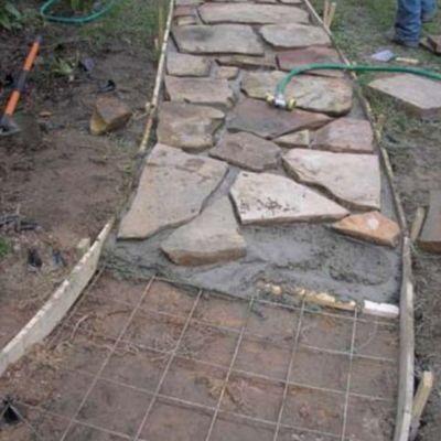camino rustico para jardines
