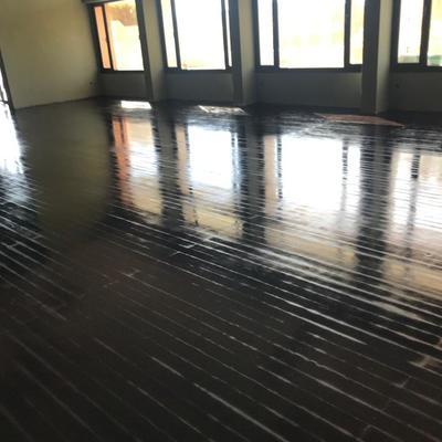 Tintado de suelo de madera