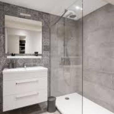 Reforma baño completo , instalacion mueble baño y mampara