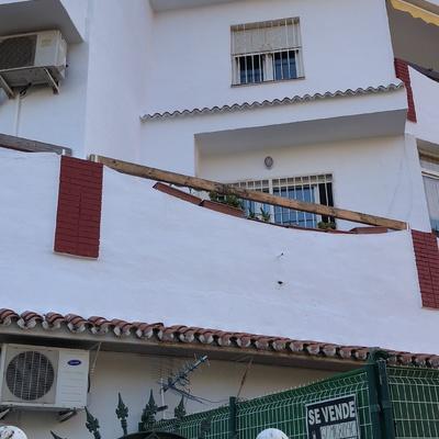 Rehabilitación de fachada en Torremolinos con plataforma autopropulsada