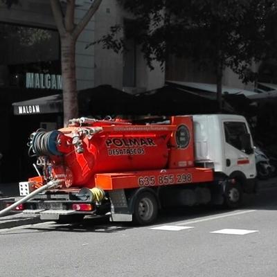 Desatascos Barcelona con camión cuba