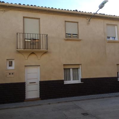 Despés fachada de Niexxx  con corcho en beige y marrón