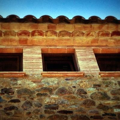 Detalle cornisa tejado rústico