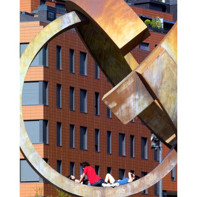Detalle de fachada en Plaza del Gas, Bilbao