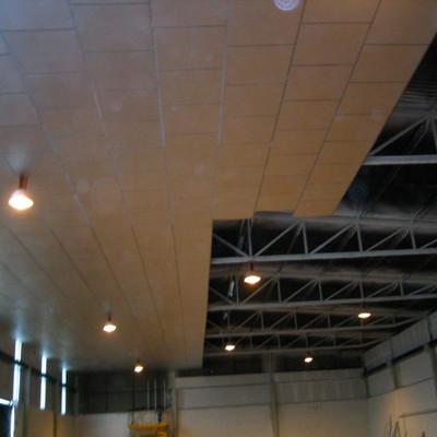 Detalle de montaje de Falso techo de panel de aluminio 1,20 x 1,20