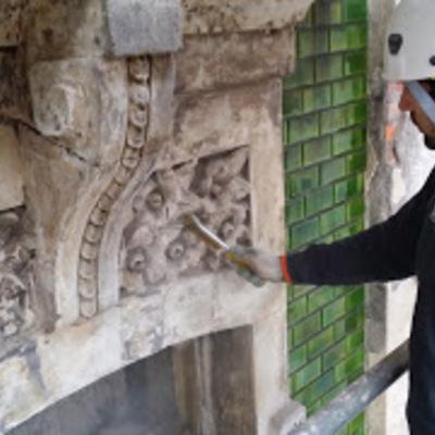 Detalle de rehabilitación de elementos de fachada protegida (1).