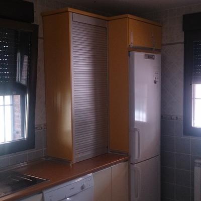 detalle mueble sobreencimera mueble frigorífico