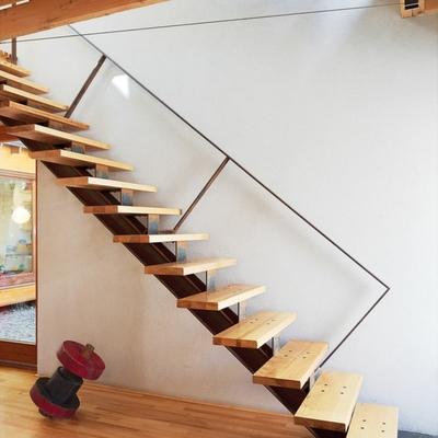 Presupuesto construir escalera de madera online habitissimo for Como trazar una escalera de madera