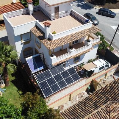 Instalación de pérgola/cochera  solar a medida