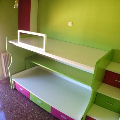 Cama litera para dormitorio juvenil en dos colores