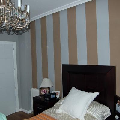 dormitorio pintado a rayas