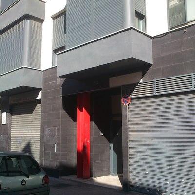 Entrada residencial 6 viviendas