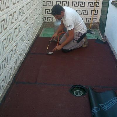 Impermeabilización de solana con tela asfaltica de grano