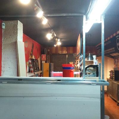 Mostrador venta Pizzeria Circus local 2