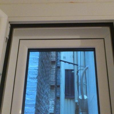 colocación de contraventana y rellenar falso techo, para ruido.