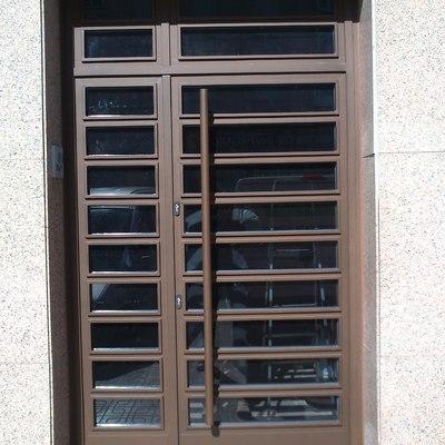 Puertas de Entrada  para bloques de viviendas