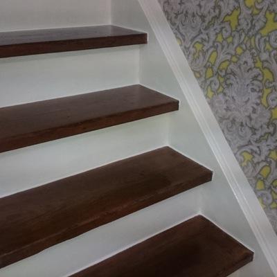 renovación total de la escalera en un chalet antiguo
