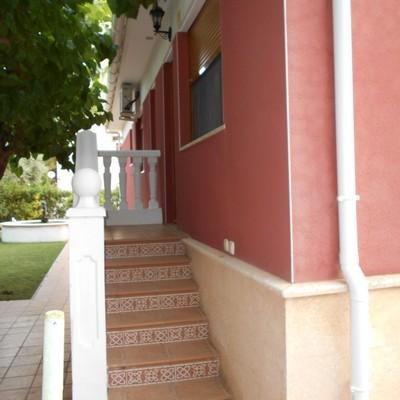 entrada a una habitacion de la casa
