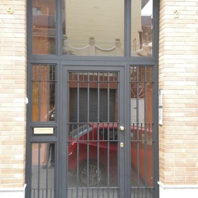 Puerta comunidad