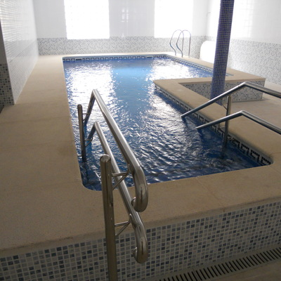 PISCINA ESTILO SPA