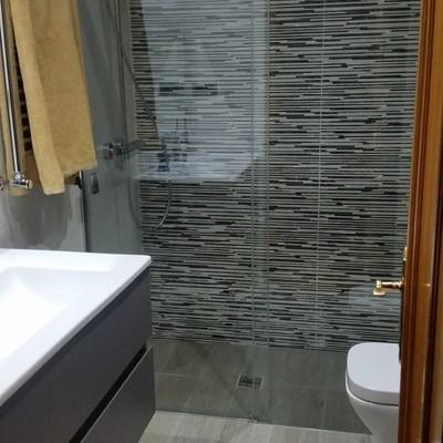 Reforma baño Navalcarnero, ducha obra al res de suelo