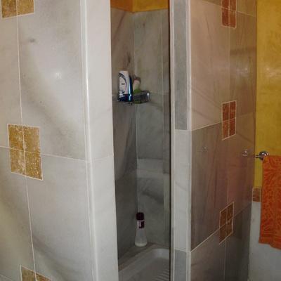 duchas y mamparas revestidas