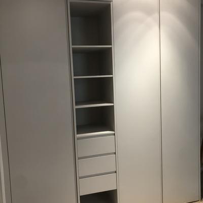Frente armario lacado en gris