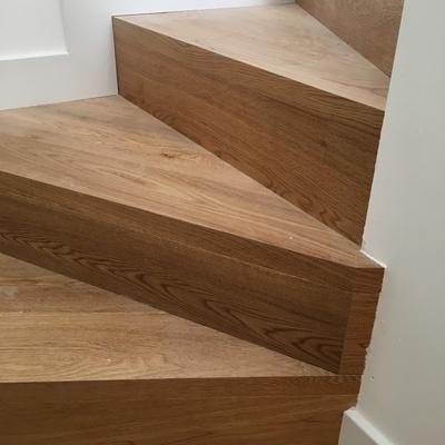 Revestimiento de escalera madera de roble natural