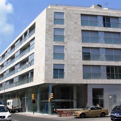 Edifcio de 59 viviendas, locales y 3 plantas sotano