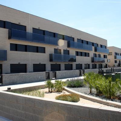 Edificio 36 viviendas, aparcamiento y piscina, en Alcanar.
