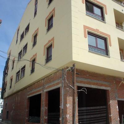 Edificio de 6 Viviendas y Local en Las Navas del Marqués