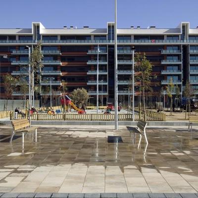 "Edificio de viviendas ""Provençana"". Hospitalet de Llobregat. Barcelona"