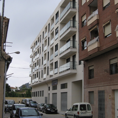Bloque de viviendas el Almendro