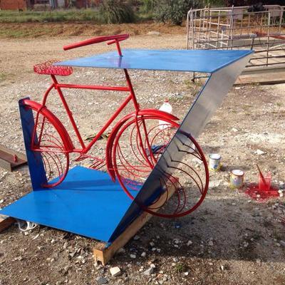 Mesa de bar tipo bici
