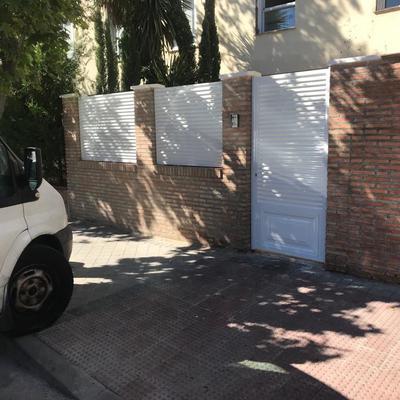 Cerramiento y puerta peatonal