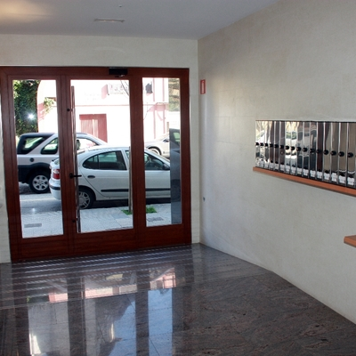 Eliminación de barreras arquitectónicas en Avenida Yerri 5 (Estella)
