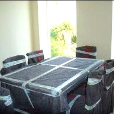 Embalaje mesa y sillas de salón