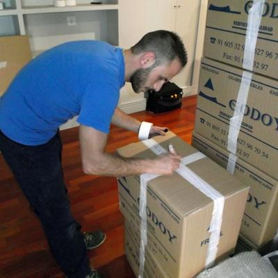 Embalando y organizando cajas