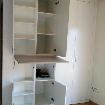 empotrado puertas abatibles y elevable blanco y madera