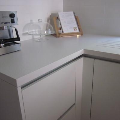Encimera de cocina en Silestone blanco zeus